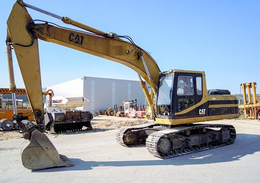 excavator-caterpillar-320-1